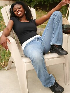 Black Babes In Jeans